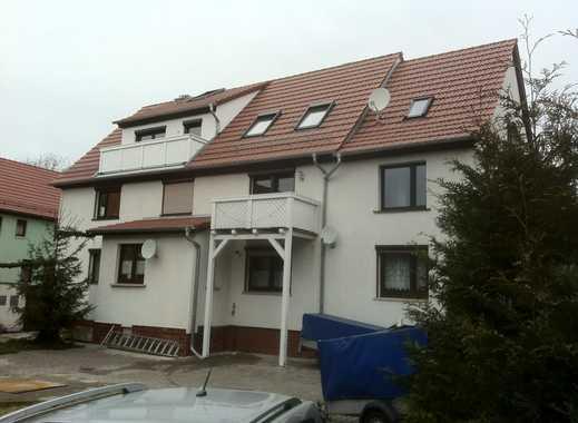 Konfortable, neuwertige 4-Zimmer-Wohnung mit Balkon in Drei Gleichen