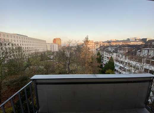 Erstbezug nach Sanierung: stilvolle 4-Zimmer-Wohnung mit Balkon in Düsseldorf