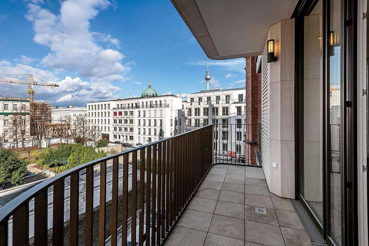 Balkonblick Wohnzimmer