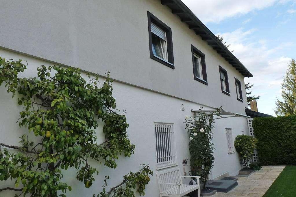 Teilmöblierte 3 Zi. Wohnung mit 90 m² Gartenanteil   in Obermenzing (München)