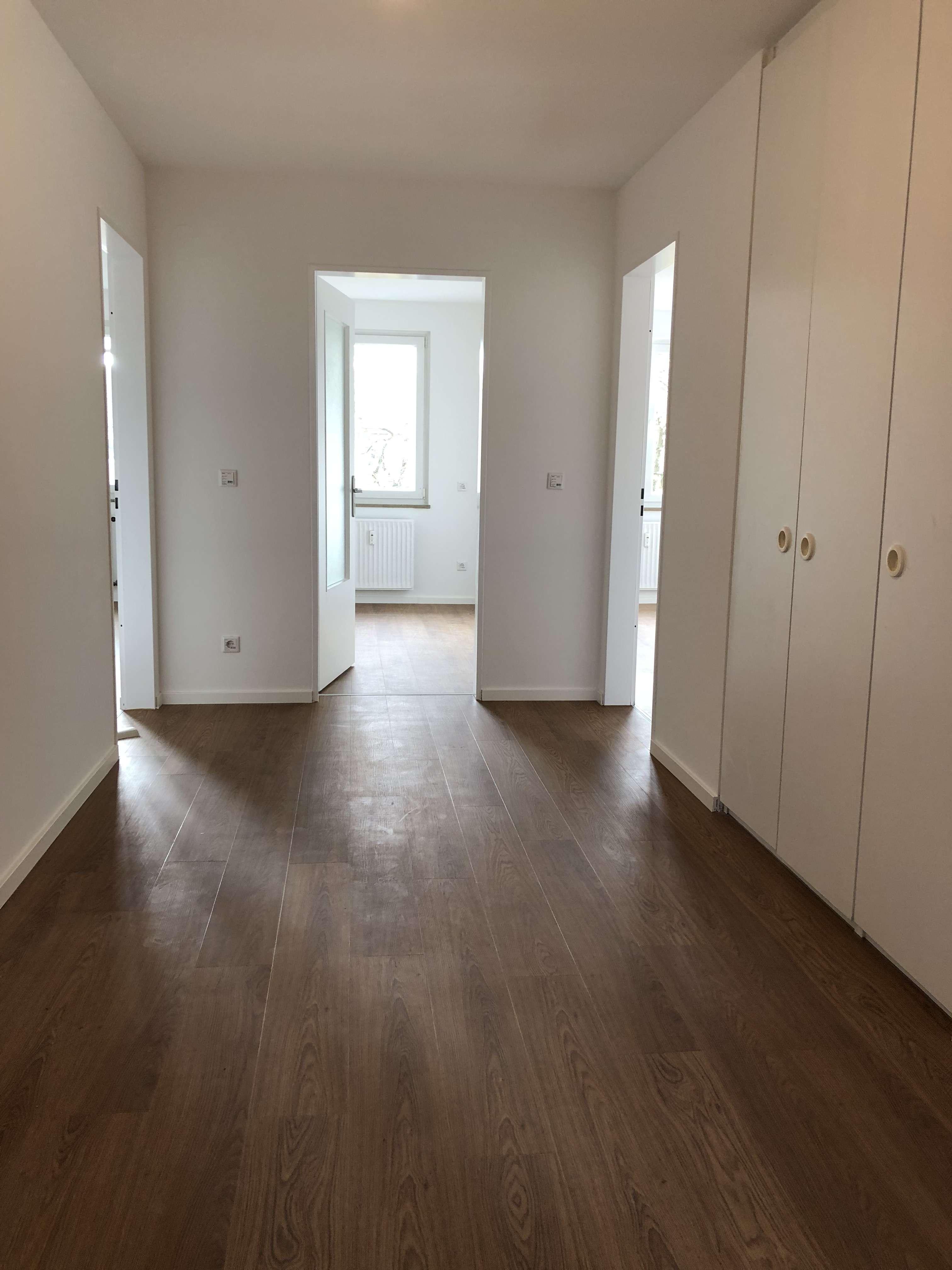 Exklusive, vollständig renovierte 4-Zimmer-Wohnung mit Balkon in Unterschleißheim in Unterschleißheim