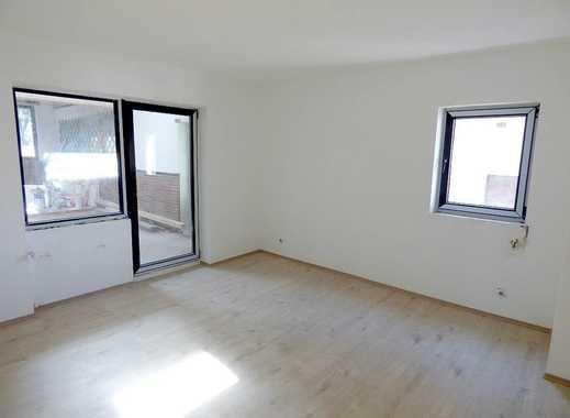 6-Zimmer-Wohnhaus, 265 m² Wohnfläche mit großem Schwimmbad, Sauna und Partyraum, Garagen, Grundstück