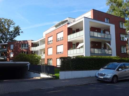 Wohnen im Georgenhof: Schöne 4-Zimmer Erdgeschosswohnung mit Balkon