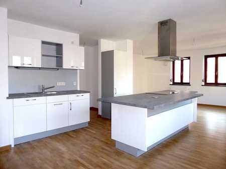 Hochwertige, geräumige 2-Zimmer-Wohnung in bester Altstadtlage in Amberg