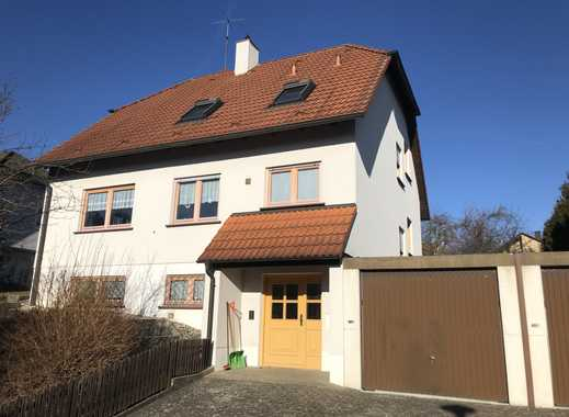 Freistehendes Einfamilienhaus mit Satteldach (Krüppelwalmdach) in 97228 Rottendorf