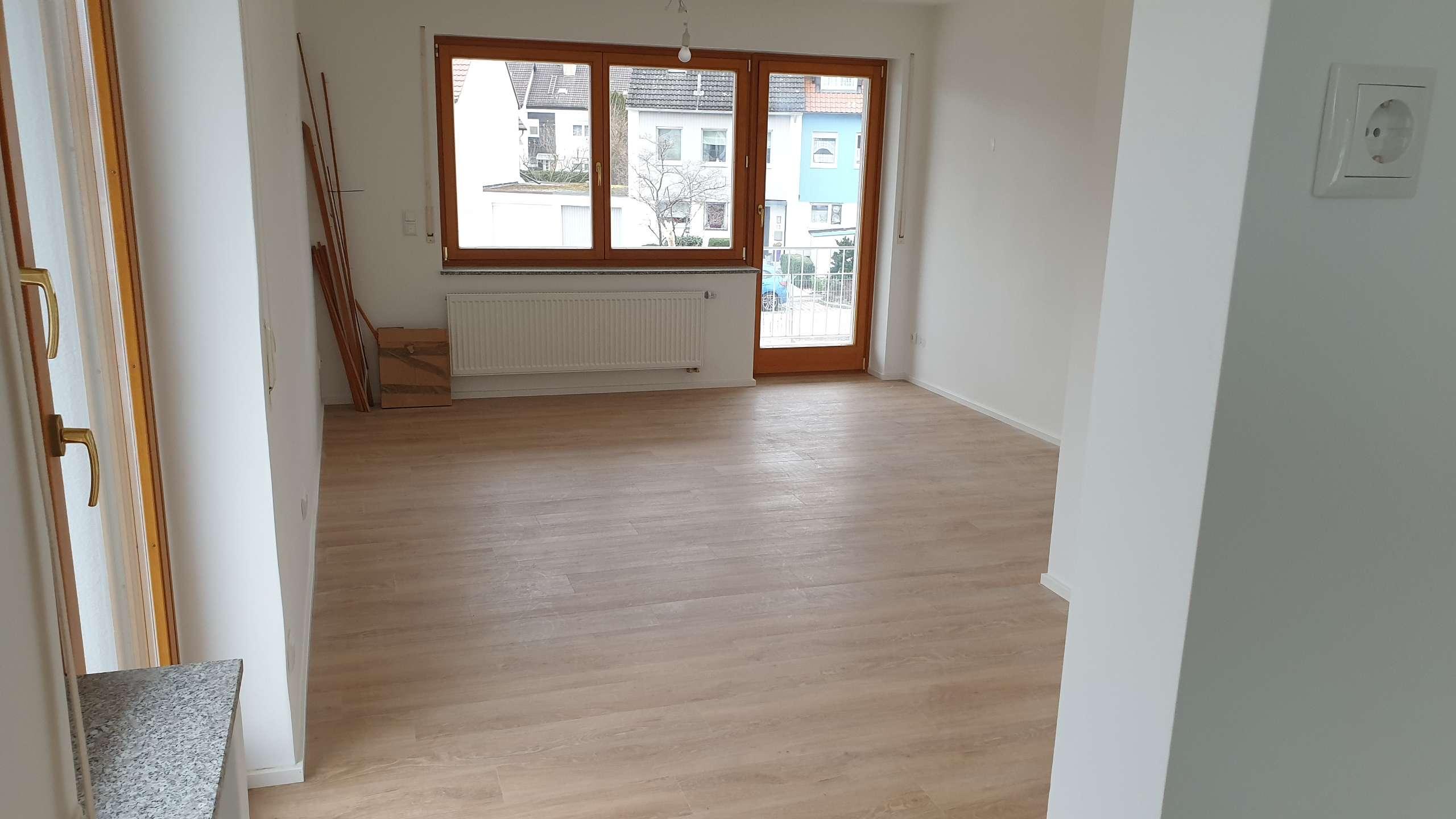 Erstbezug mit Balkon: stilvolle 6-Zimmer-Maisonette-Wohnung in Eichenau in