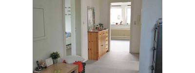 Schöne 2 Zimmer-Wohnung mit sonnigem Balkon u. Einbauküche in B.O.-Zentrum