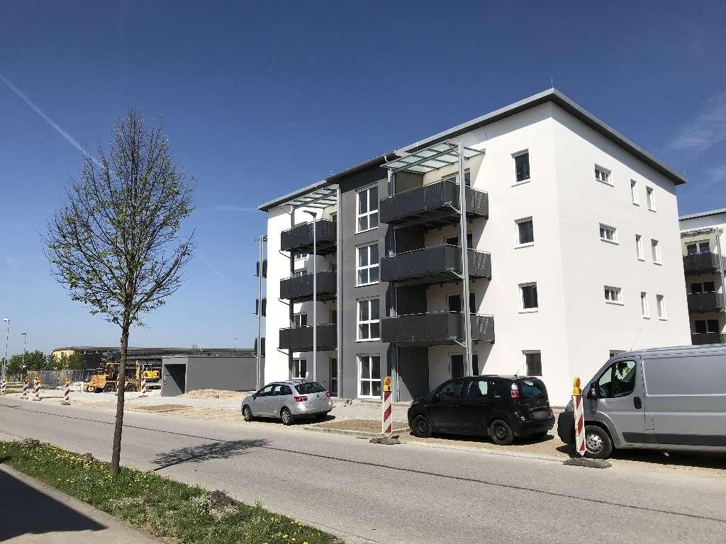 Sonnige helle 2-Zimmer-Neubau-Wohnung mit großem überdachten Südbalkon!