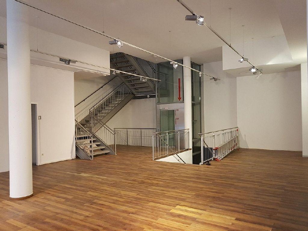 Treppe und Lift