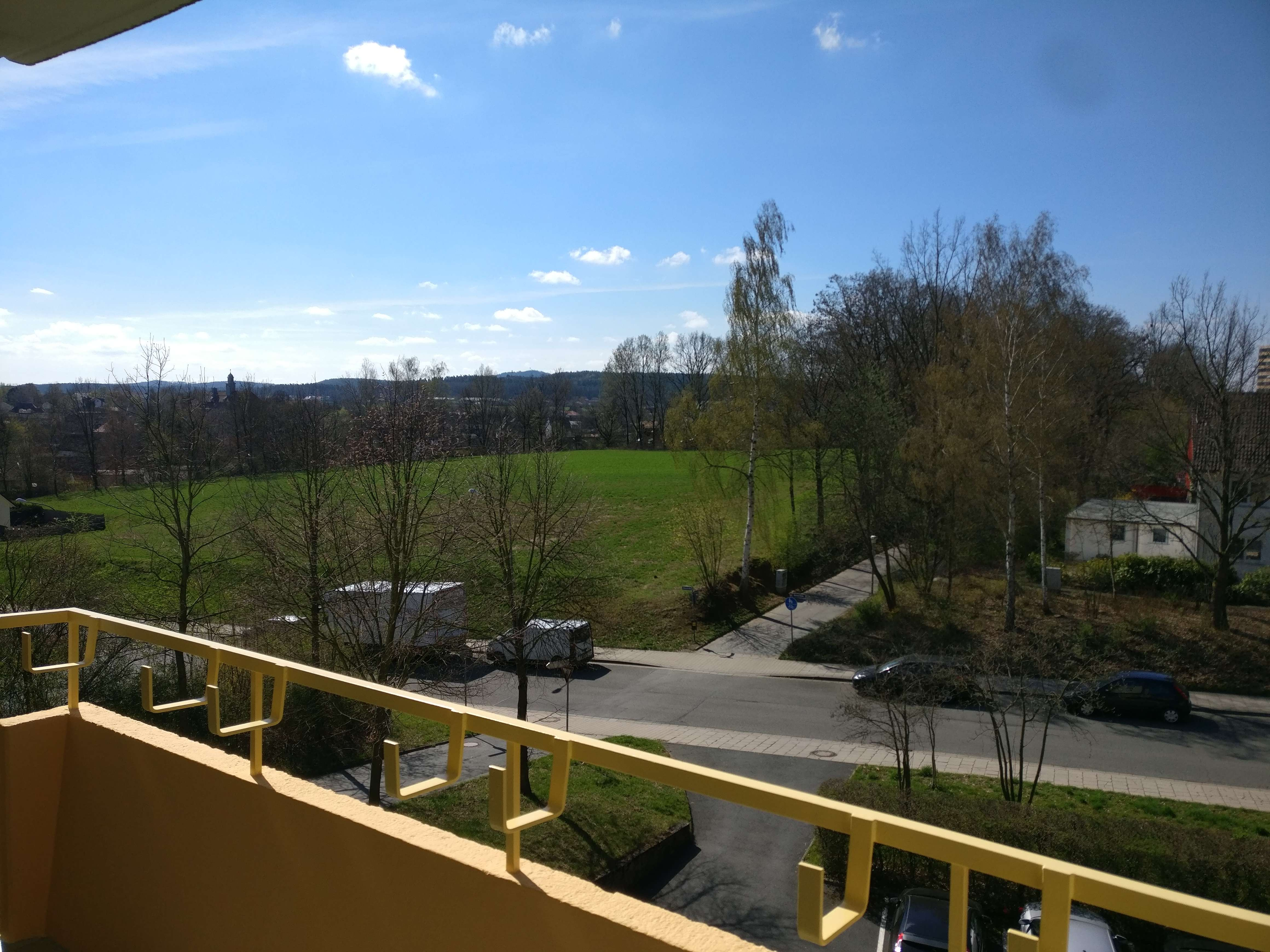 Lichtdurchflutete Wohnung mit Süd-Balkon, Erstbezug nach Sanierung: edle 3-Zimmer Whg in Bayreuth