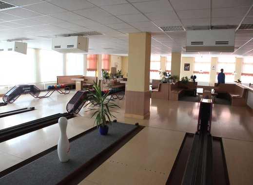 Bowlingcenter mit Restaurant in gutem Zustand