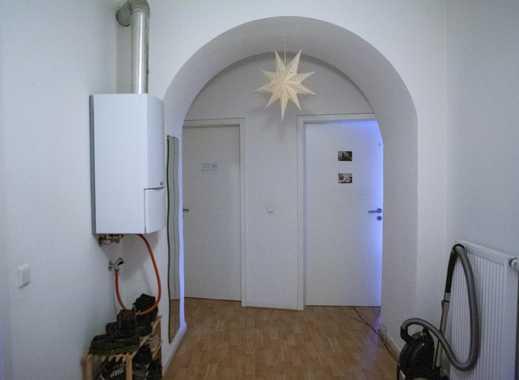 neue Mitbewohnerin für schönes helles 24 qm Zimmer in ruhiger Lage gesucht