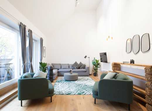 Bright Room with Massive Windows in Wonderful Coliving Apartment