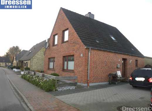 Weddingstedt: Modernes, teilsaniertes Einfamilienhaus mit ca. 130 m² Wohnfläche in ruhiger Lage