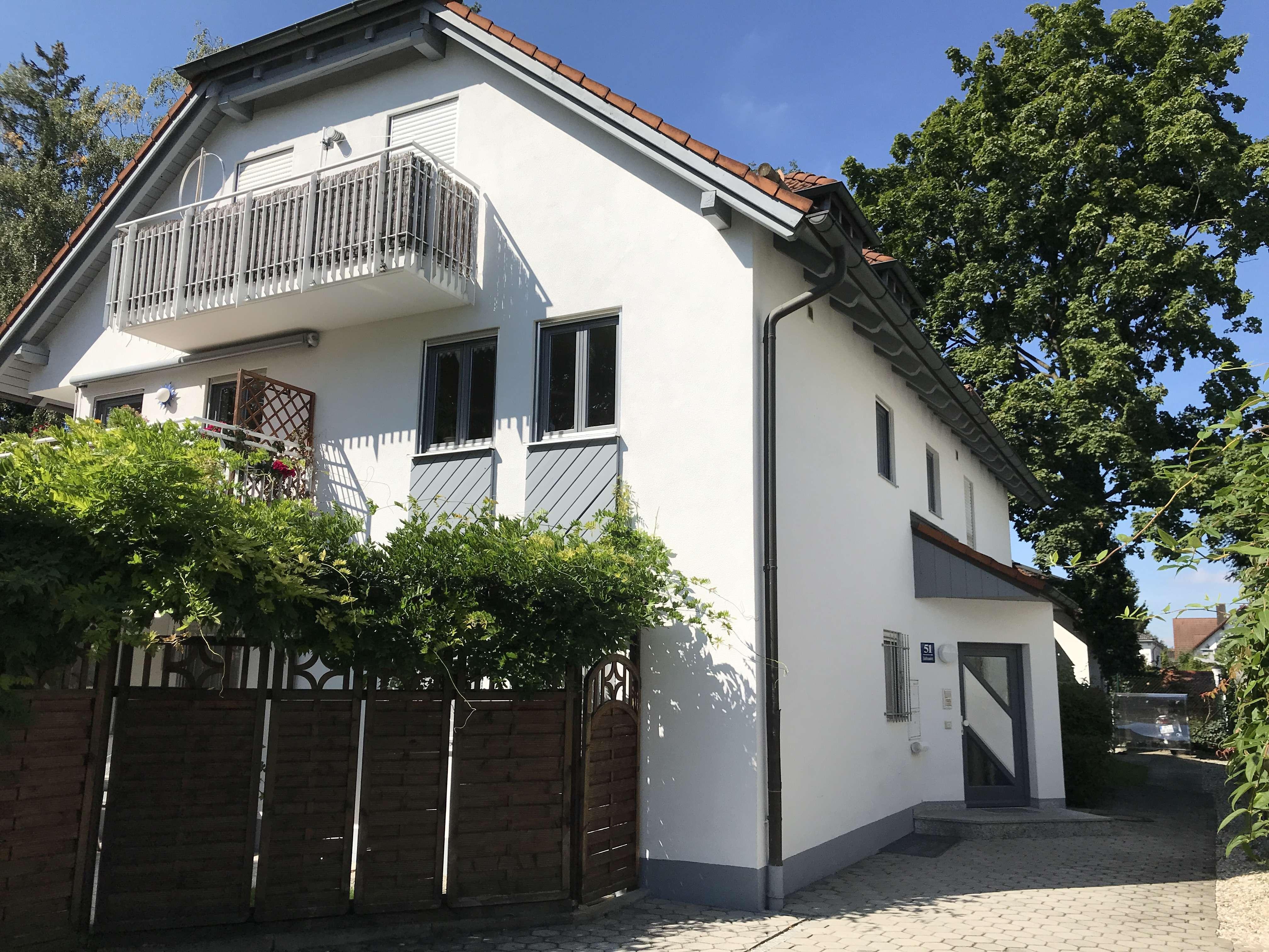 Stilvolle, modernisierte 4-Zimmer-Maisonette-Wohnung mit Balkon und Wohnküche in Trudering, München in Trudering (München)