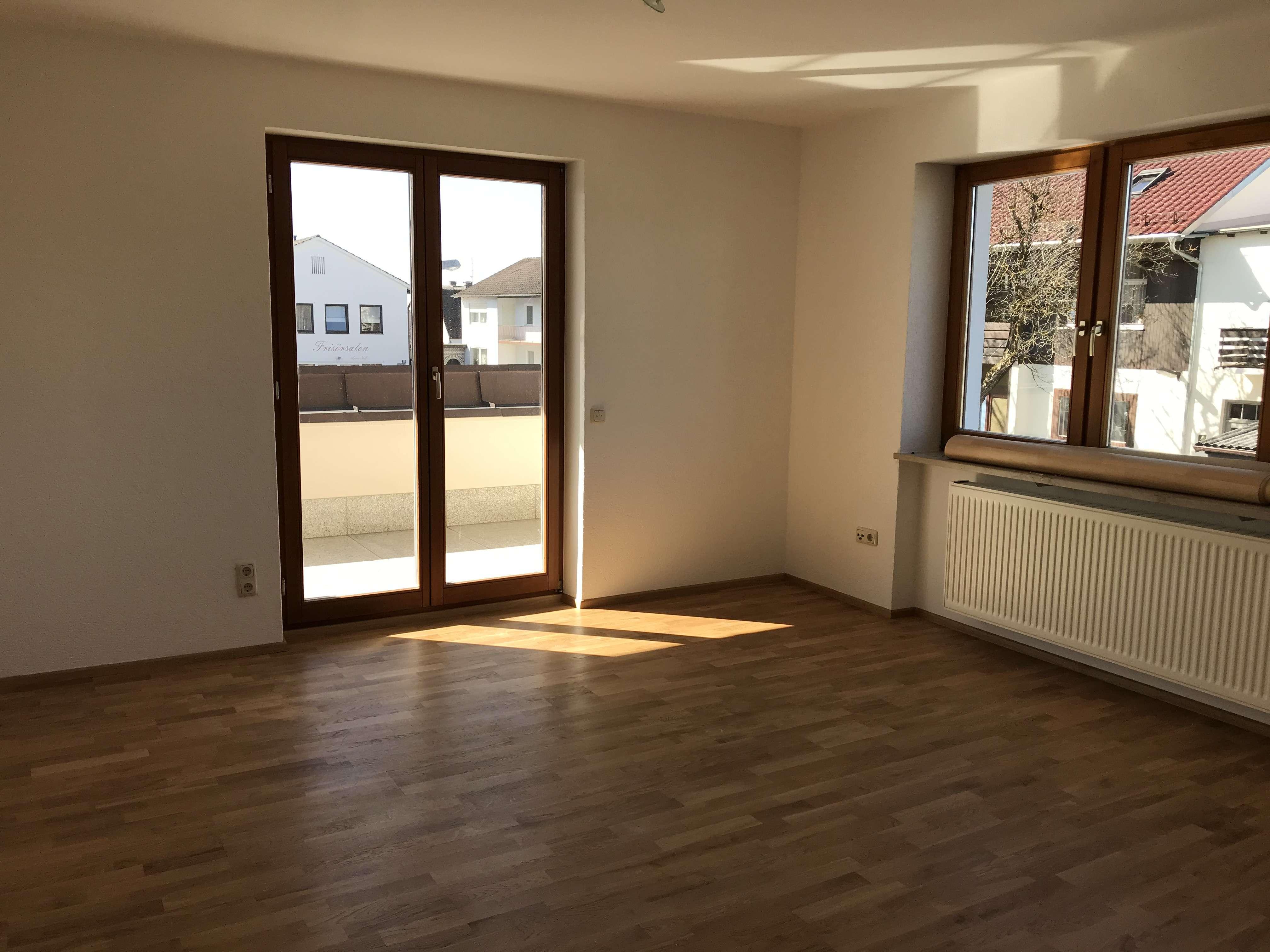 Lichtdurchflutete 3,5-Zimmer-Wohnung in Schrobenhausen zu vermieten! in