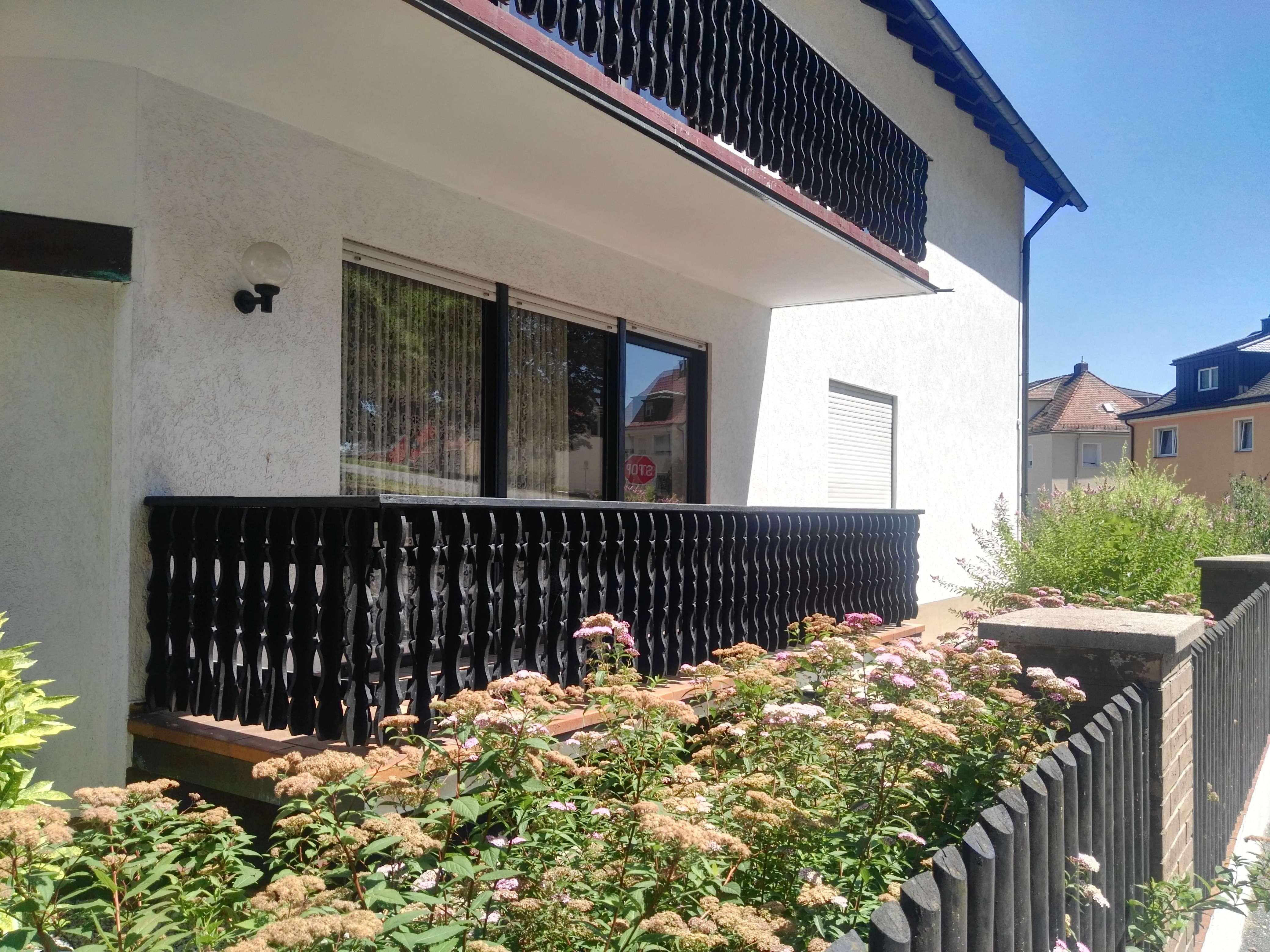 Vollständig renovierte 4-Zimmer-Erdgeschosswohnung mit Balkon in Schwandorf
