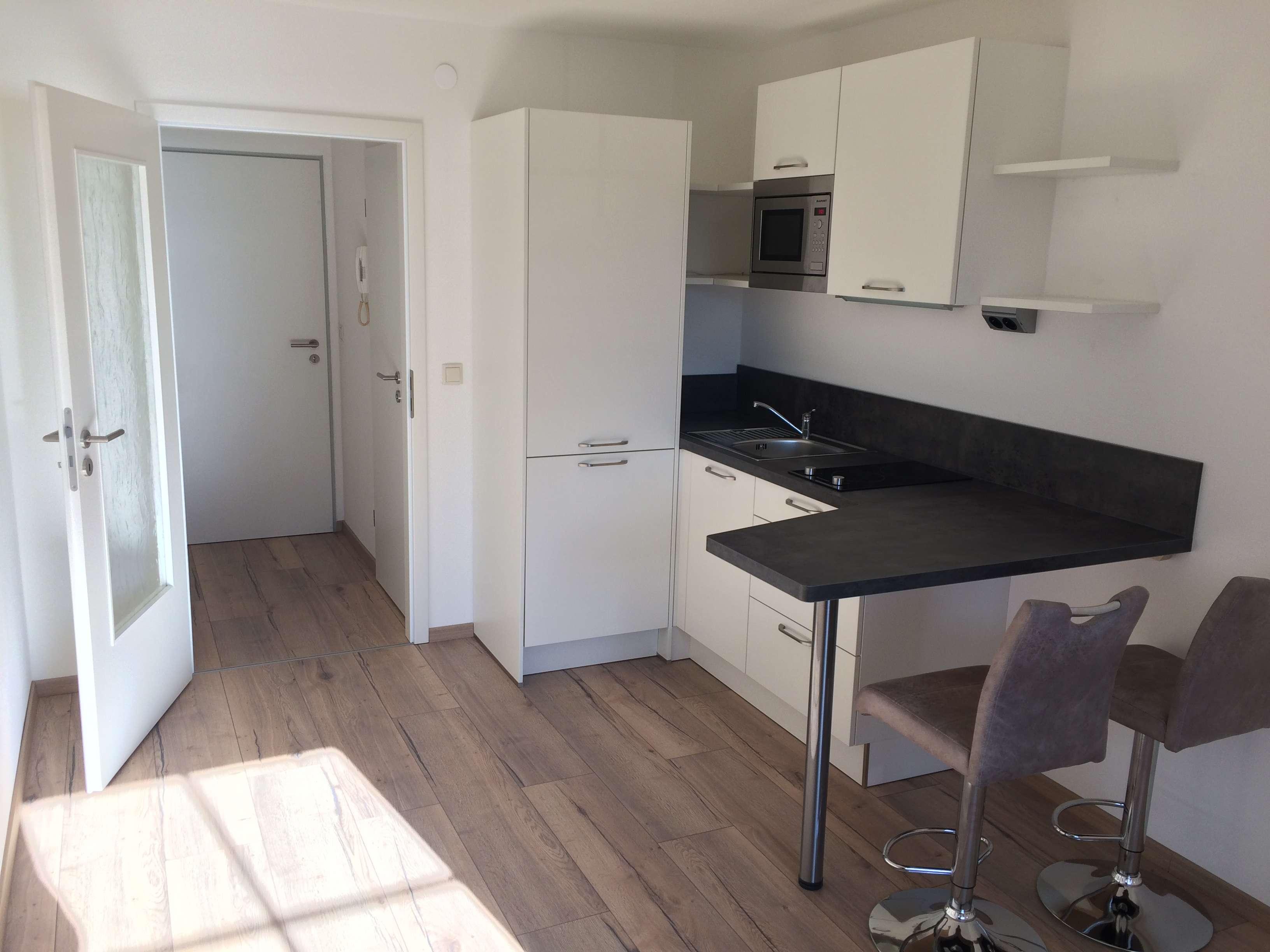 Erstbezug nach Generalsanierung: exklusive 1-Zimmer-Wohnung mit Einbauküche in Bayreuth
