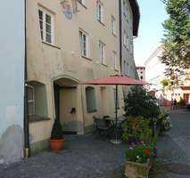 Sanierte Wohnung mit zwei Zimmern und Einbauküche in Wasserburg in Wasserburg am Inn