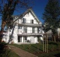 ***Exklusive 4- Zimmer Dachgeschosswohnung in ruhiger Lage+ Balkon+ Garage*** in Solln (München)