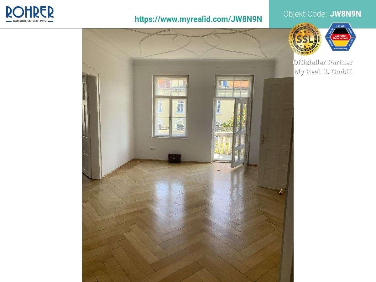 München-Schwabing - Exklusive 5 Zi.-Altbau-Whg., Küche, Bad m. Wanne, Duschbad, sep. WC, 2 Balkone,  in Schwabing-West (München)