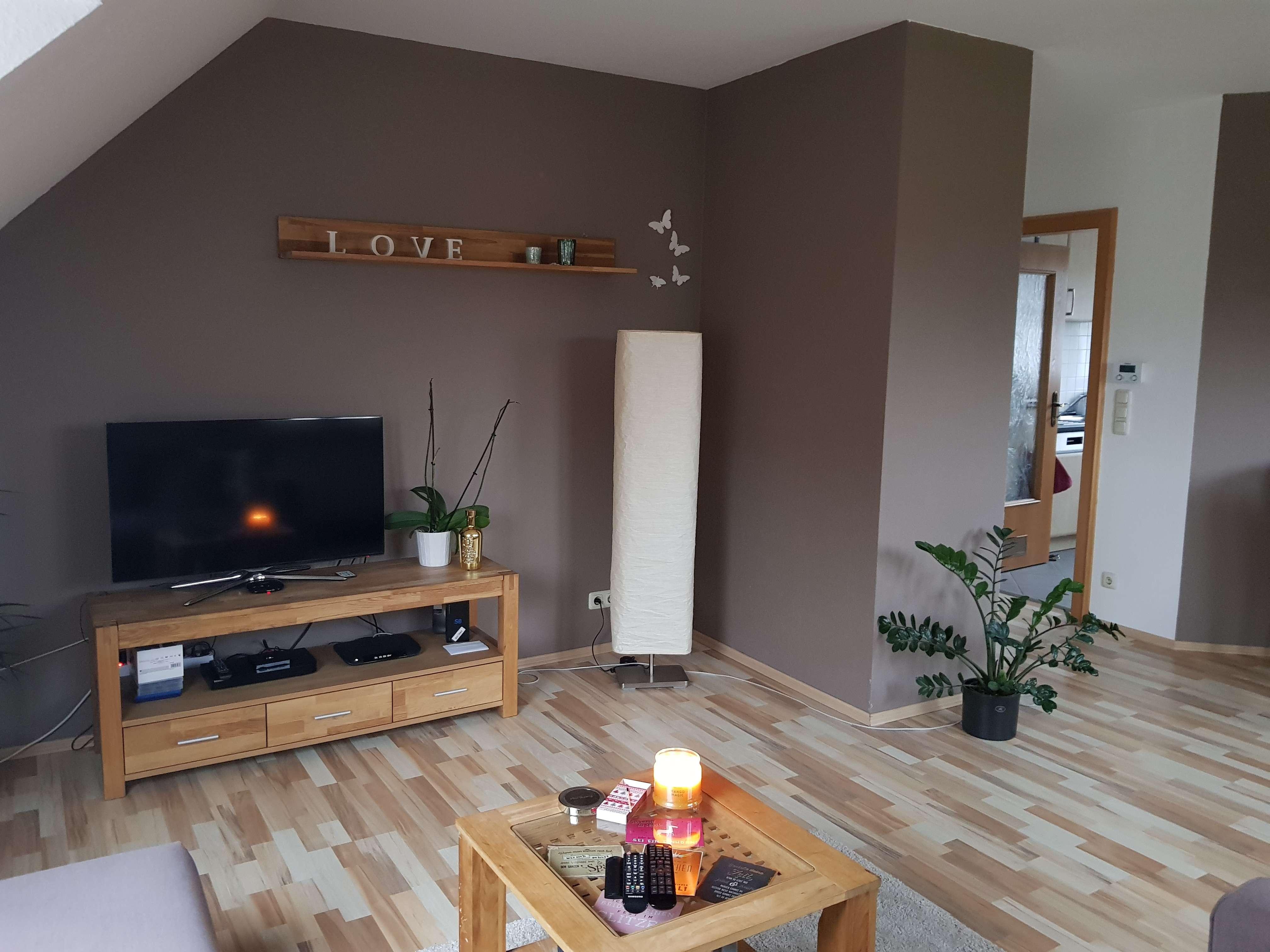 TOP - Neuwertige 2-Zimmer-DG-Wohnung in Würzburg-Lengfeld in