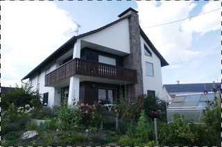 Erstbezug nach Sanierung: stilvolle 4-Zimmer-Wohnung mit luxuriöser Innenausstattung in Sielenbach in Sielenbach