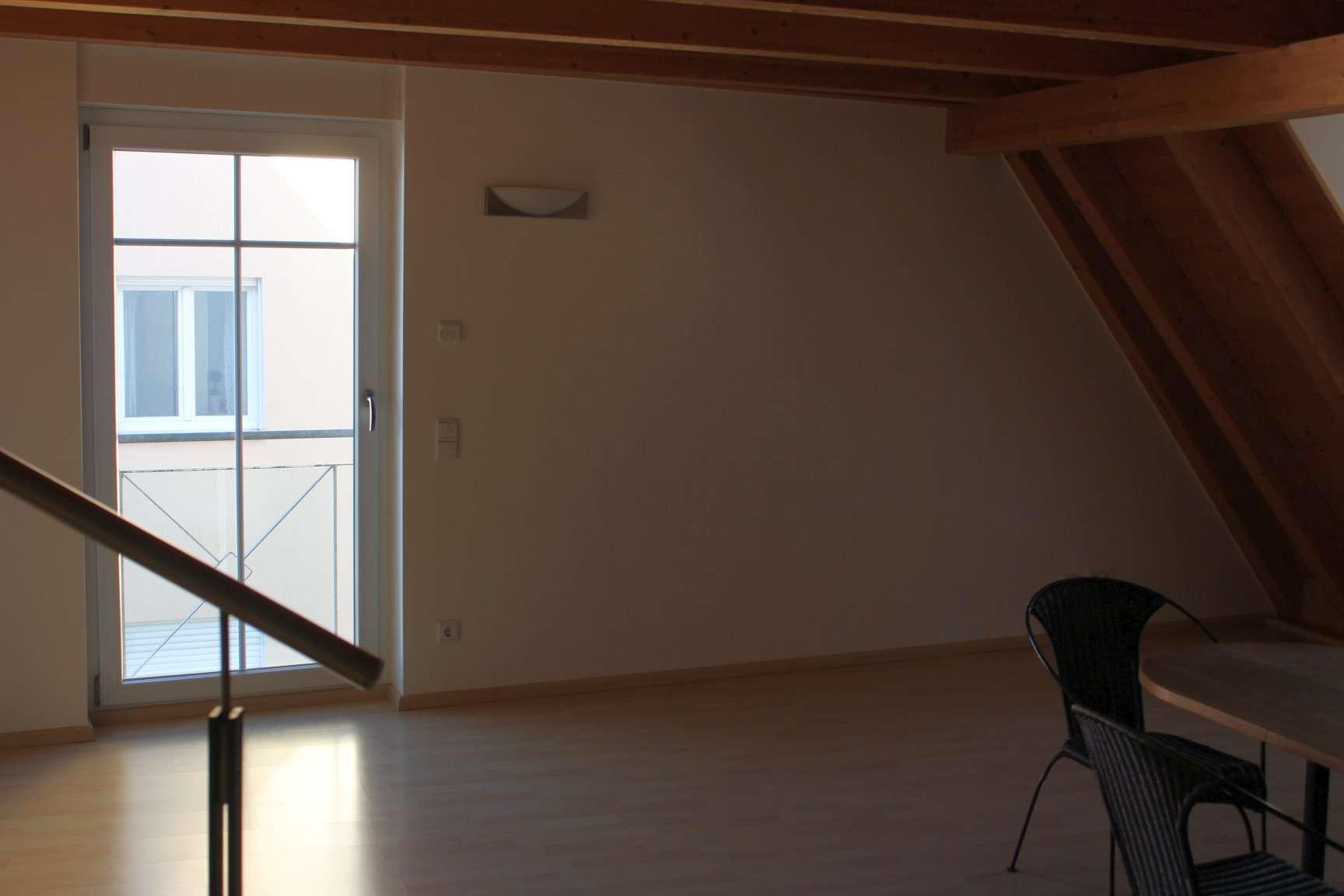 1,5-Zimmer-Dachgeschoss-Wohnung mit EBK in Dingolfing in Dingolfing