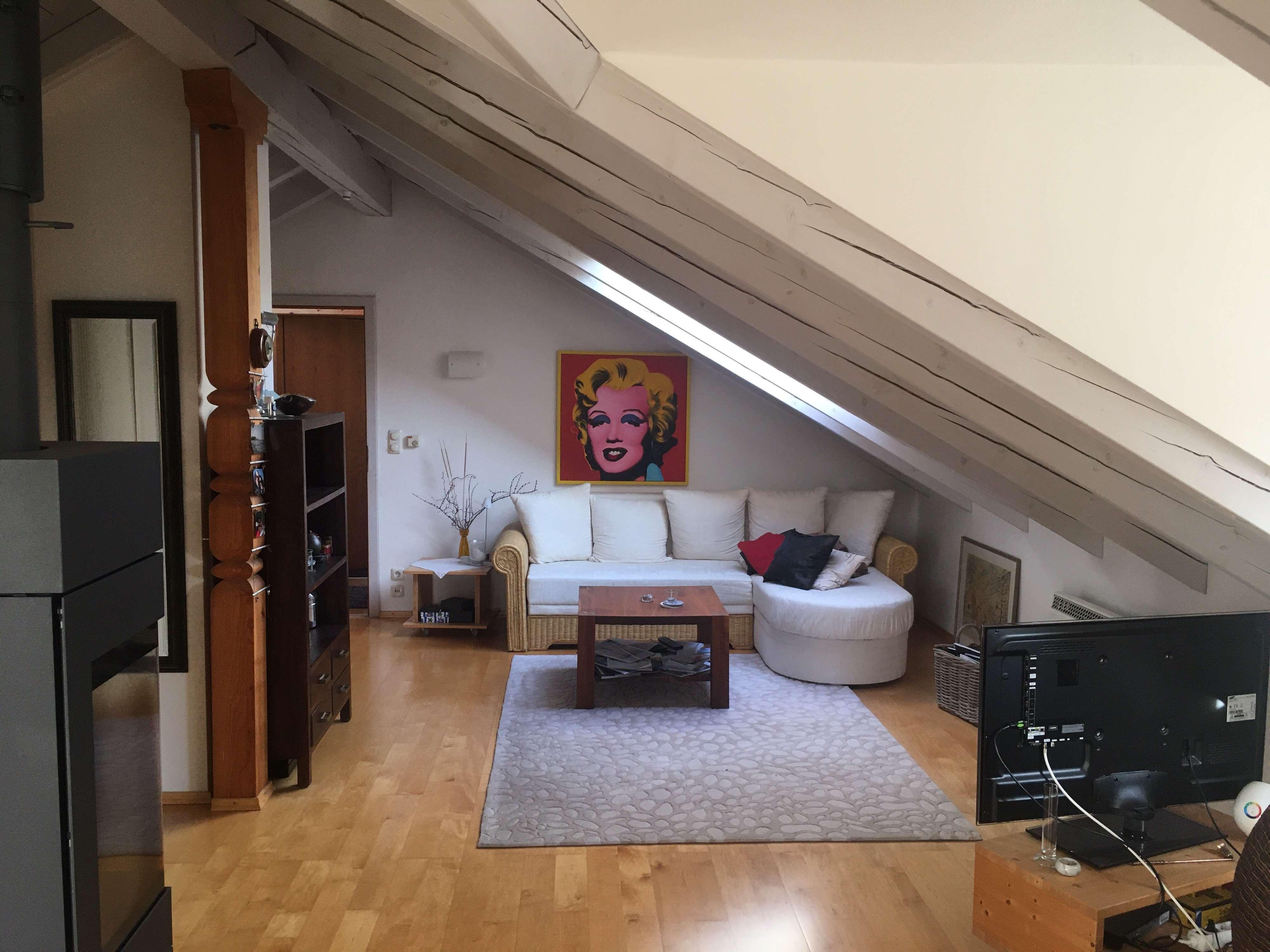 Möblierte gemütliche DG-Wohnung mit Balkon und EBK in Prien am Chiemsee in Seenähe in