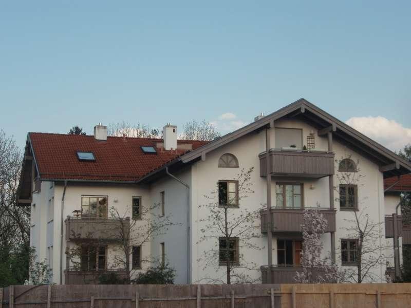 Exklusive, ruhige 4-Zimmer-Wohnung mit Balkon und EBK in Deisenhofen