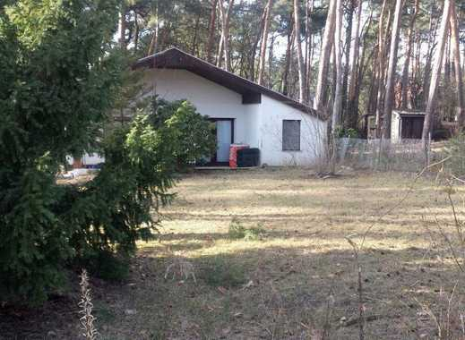 - Zernsdorf/ Baugrundstück mit z.Zt. Massiv-Bungalow -