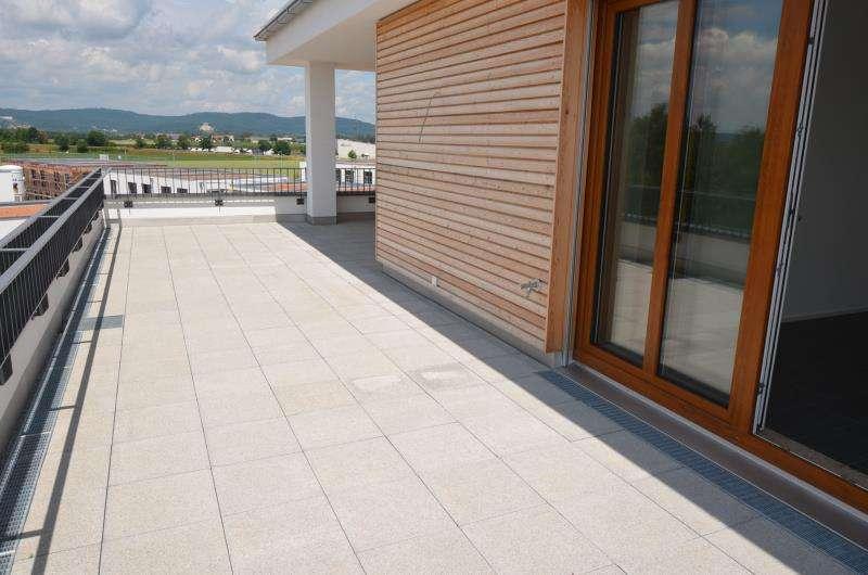 Erstbezug! Neue helle 4-Zi.Penthouse mit Walhallablick, 2 Bädern und 2 Dachterrassen in Neutraubling