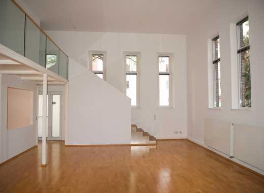Altbau Loft Galeriewohnung. Top Citylage, Deckenhöhe 5M. Ruhig. Mit Stellplatz.