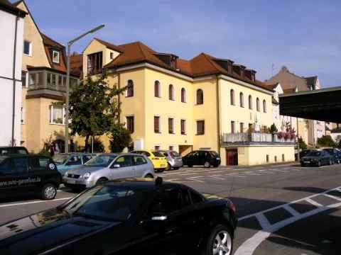 3 Zimmer Wohnung über 2 Etagen mit EBK und Blick auf Dom und Museum in Regensburg-Innenstadt