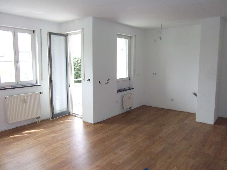 3-Zimmer-Wohnung mit 2 Balkonen und 2 Tiefgaragen in bester Wohnlage