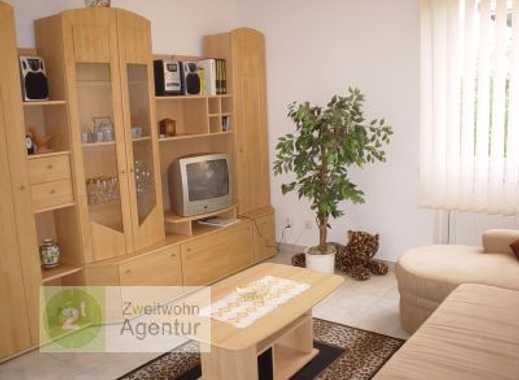 Möblierte 3-Zimmer-Wohnung mit Balkon u. Internet, Düsseldorf-Lörick, Stürzelberger Str.