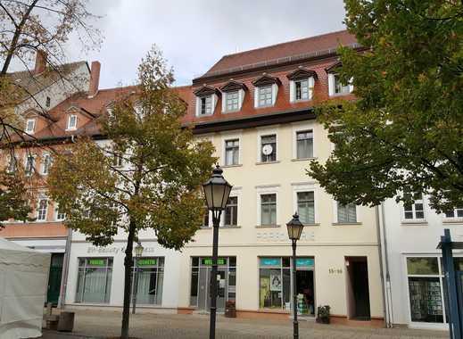 | Großzügige 2-Raum-Wohnung mit EBK im Zentrum von Zeitz |