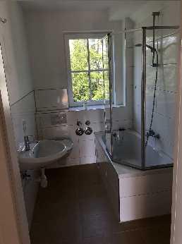 **Geräumige 2-Zimmer-Wohnung im grünen mit bester Anbindung** in Hennenbach (Ansbach)