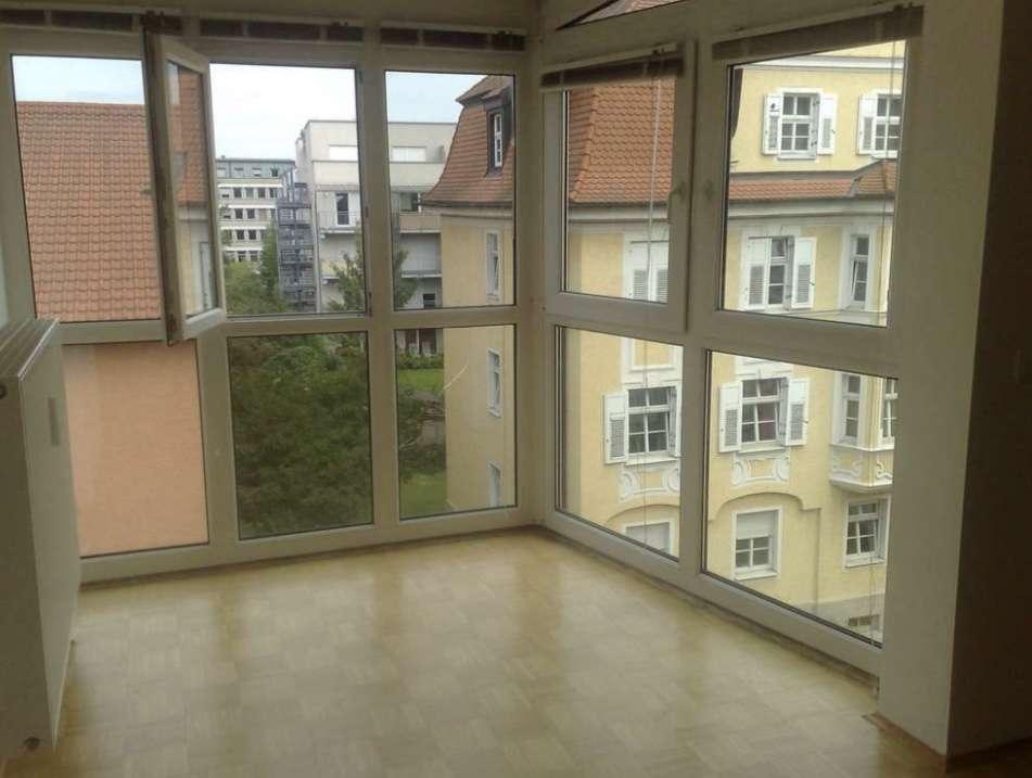 Exklusive, gepflegte 2-Zimmer-Wohnung mit Einbauküche in Regensburg in