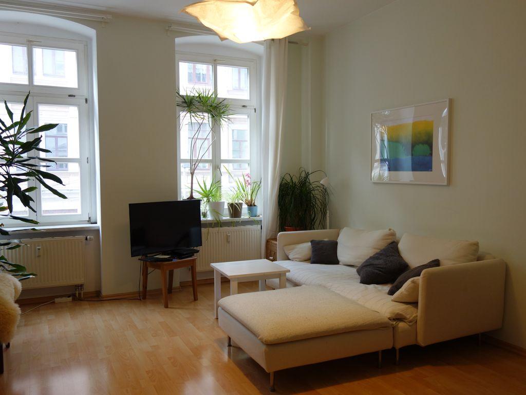 Attraktive 2 Zimmer Wohnung Mit Einbaukuche In Dresden Neustadt