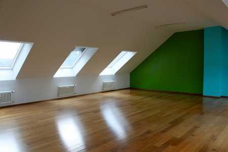 Lichtdurchflutete, großzügige 1 Zimmer Dachgeschosswohnung in Schwabing - Alte Heide in Schwabing (München)