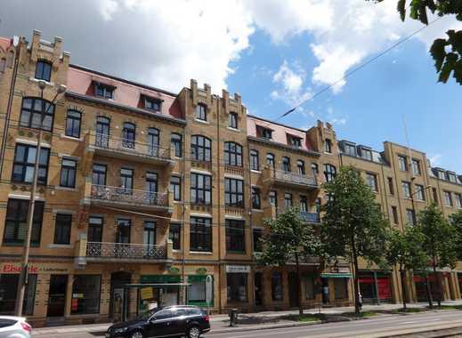 3 Raum Wohnung mit Einbauküche und 2 Balkonen