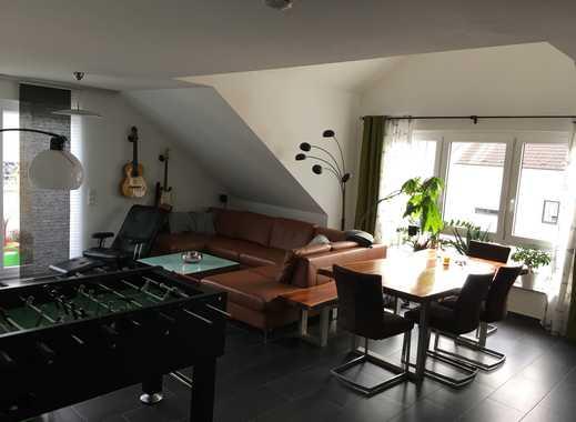 Sonnige, geräumige 2,5 Zimmer Wohnung mit Balkon und EBK in der Altstadt von Mühlheim am Main