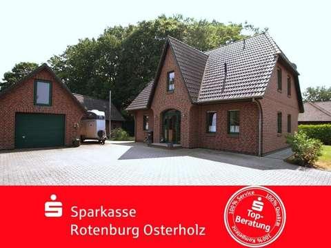 Schickes Friesenhaus Mit Garage Pferdestall Und Grossem