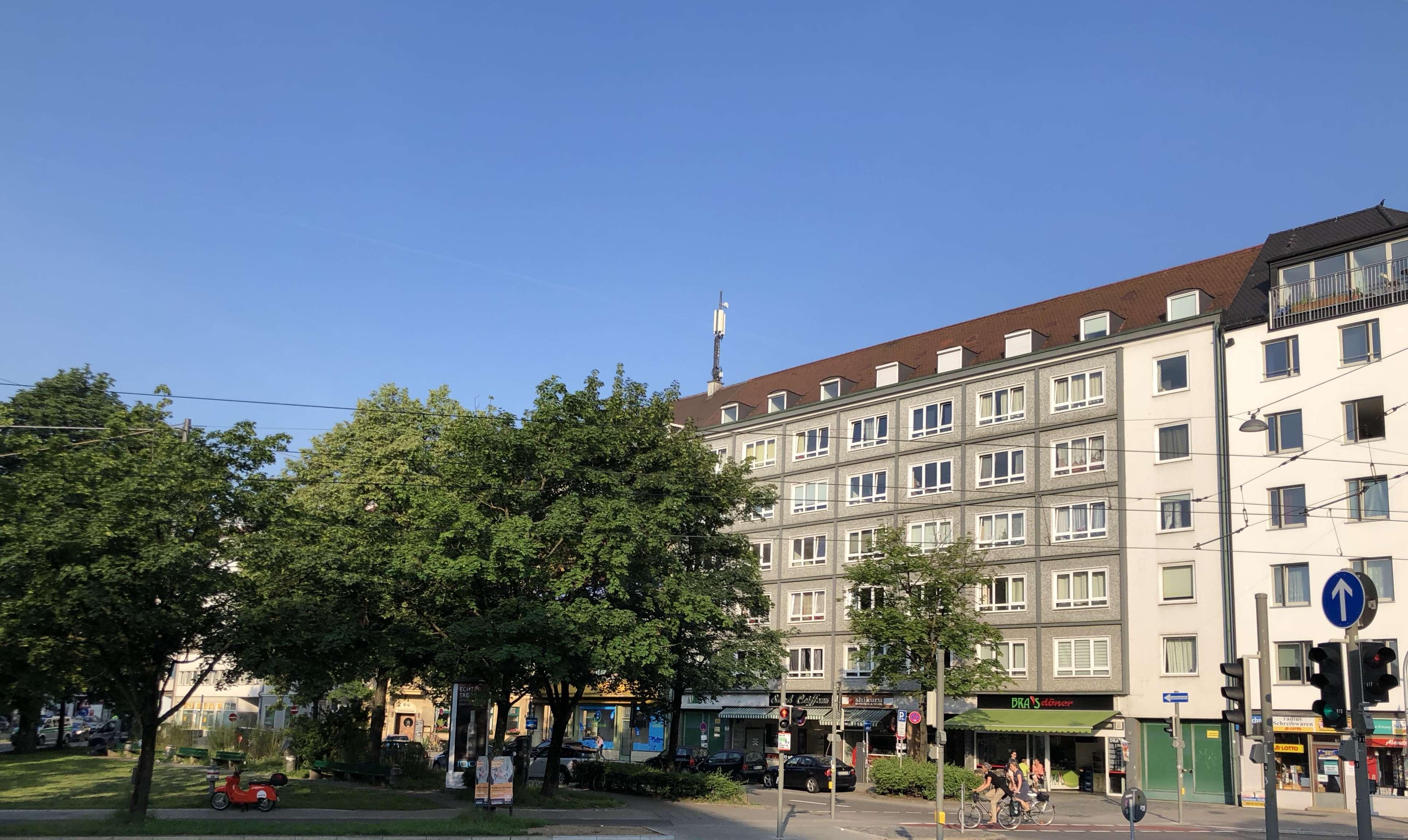 Von privat, helle 2-Zimmer-Wohnung (WG geeignet) mit neuer, separater Küche in Maxvorstadt (München)