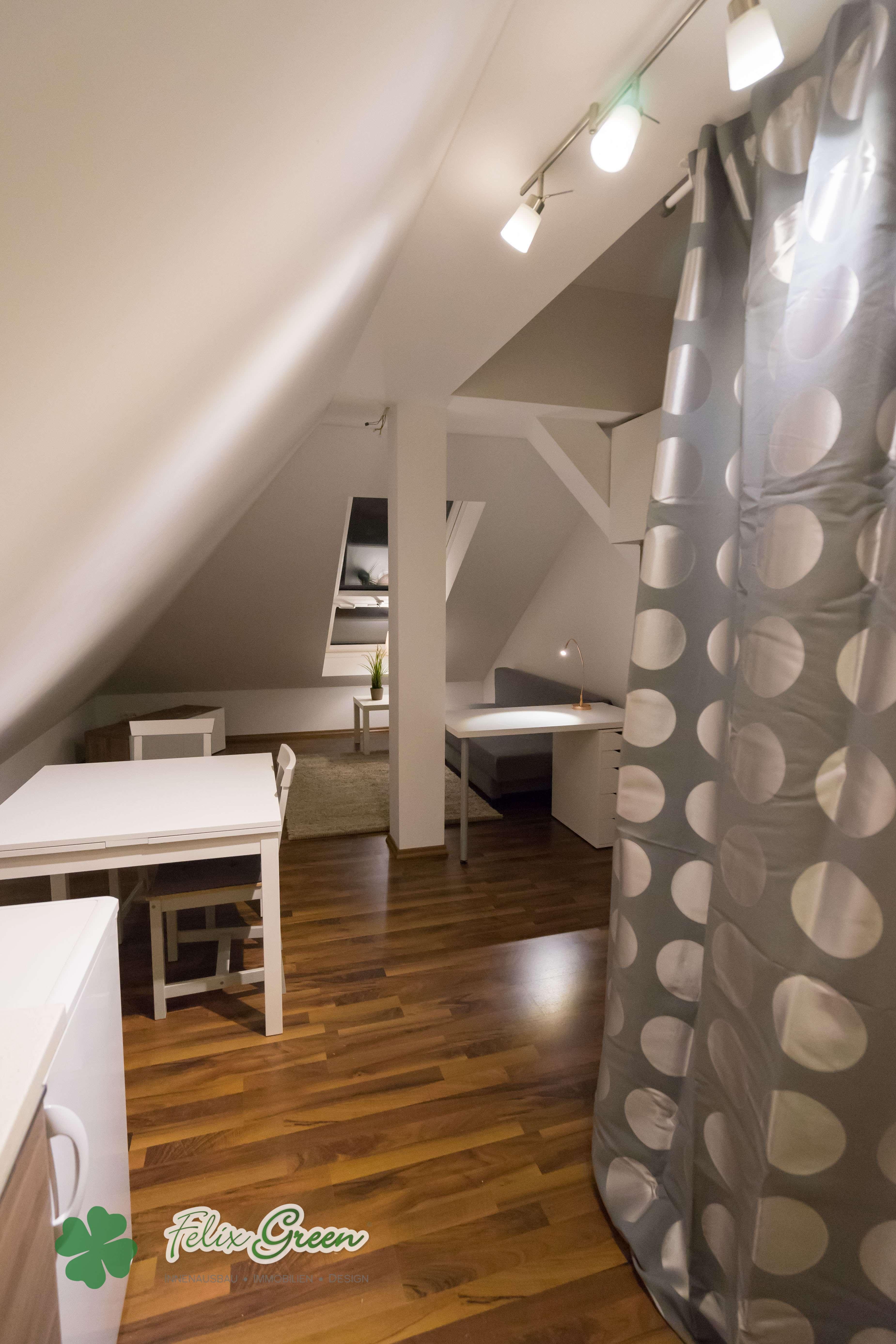 Möblierte Dachwohnung in zentraler Lage mit gehobener Ausstattung
