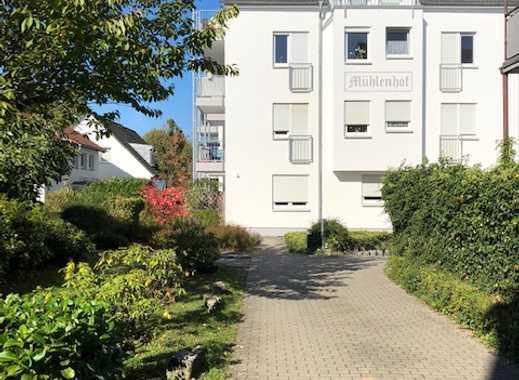 Schicke 3 Zimmer DG-Wohnung mit TG-Stellplatz in ruhiger Lage