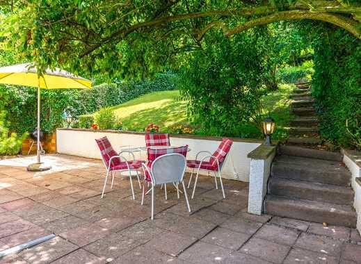 Wunderschöne Doppelhaushälfte mit Einliegerwohnung am Wernhaldenpark im Stuttgarter Süden
