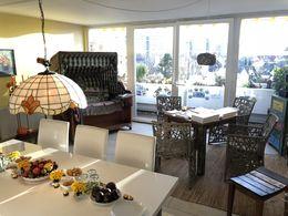 Eßzimmer mit Balkon