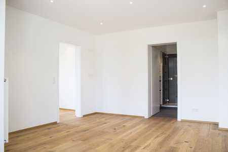 Sehr helles 1,5 Zimmer Appartement mit Eichenparkett und modernem Bad in Wolfratshausen